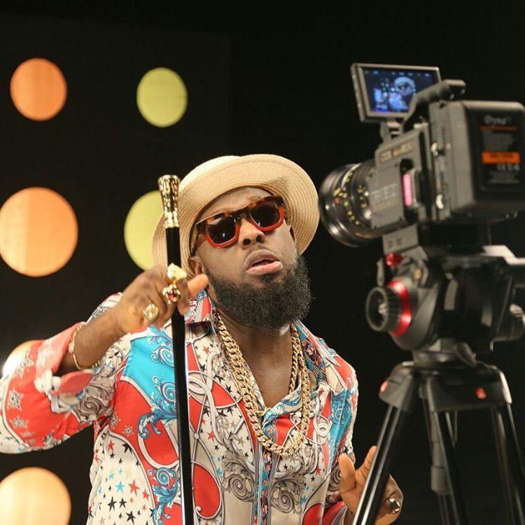 Timaya And His Fan Exchange Harsh Words Over Singer's Beard