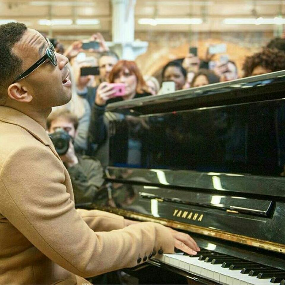 Watch Singer John Legend Perform Impromptu Medley At London Train Station