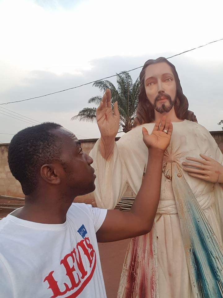 Mysterious Drop Of Water From The Jaw Of The Divine Mercy Statue In Amichi, Anambra State