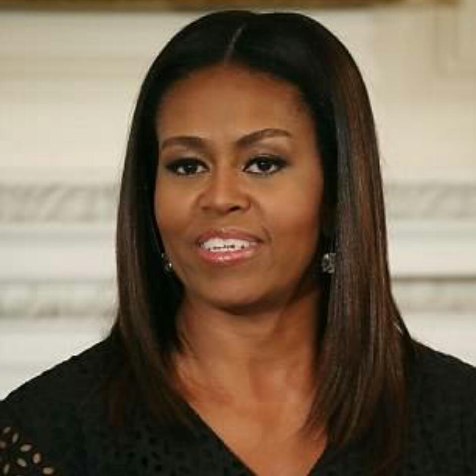 Michelle Obama Rocks Her Natural Curls