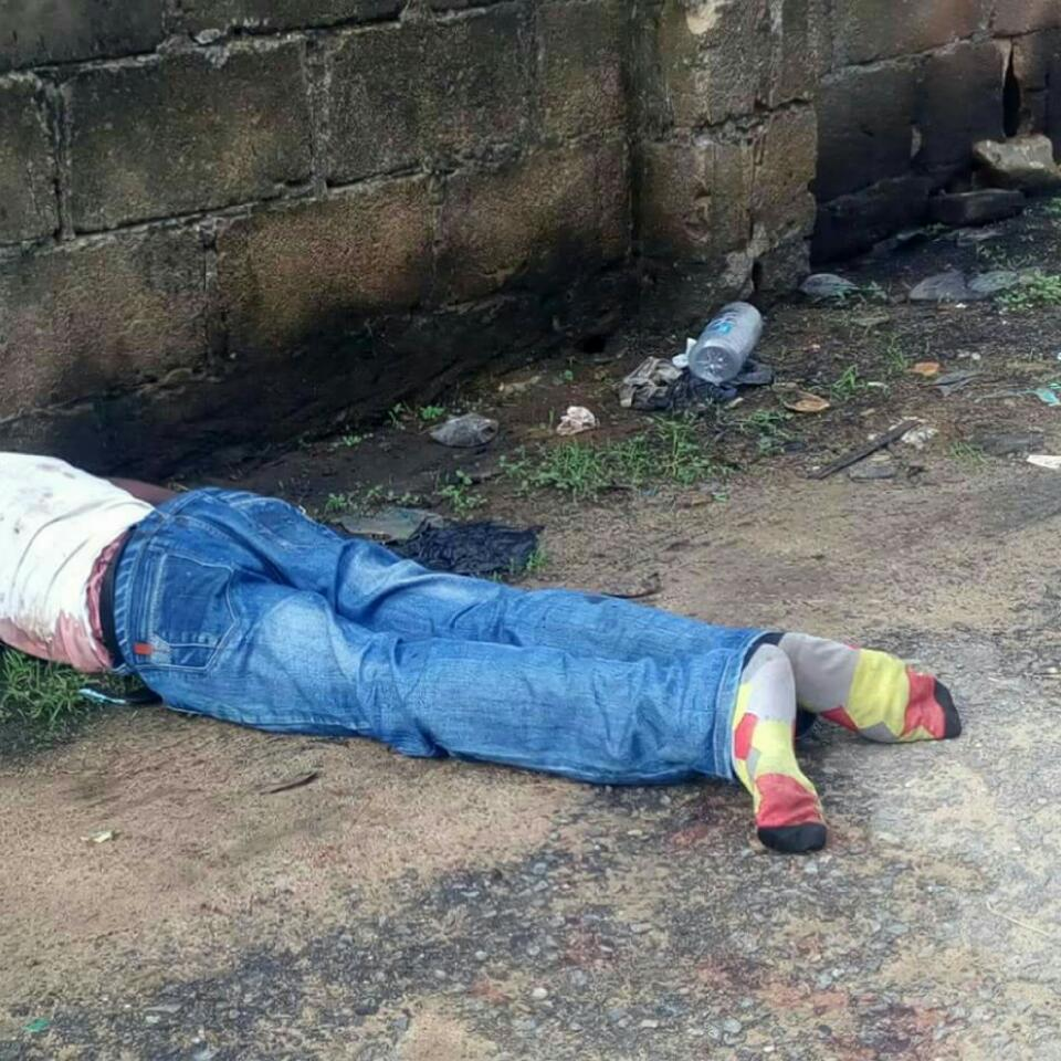 Second Beheaded Person Found Within NTA Road Mgbuoba And Rumuekini East West Road In Port Harcourt