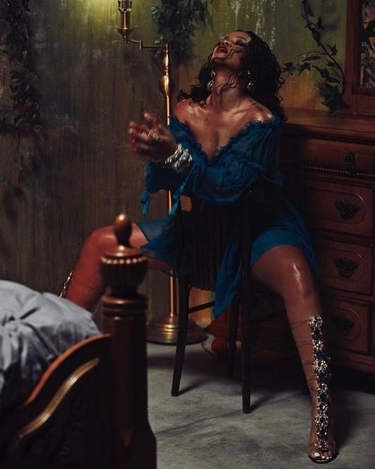 Rihanna In Alberta Ferretti Off The Shoulder Midi Dress (1)