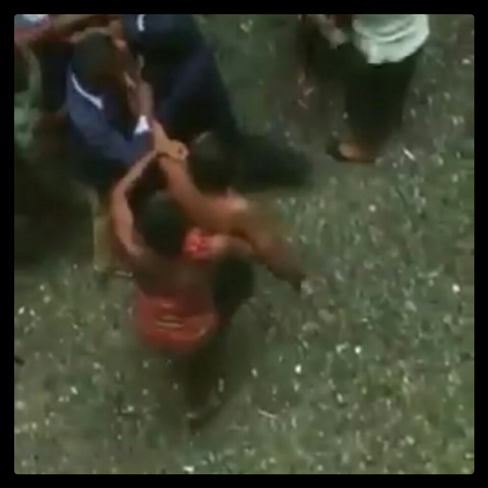 Lady Caught And Beaten At UNILAG's Emerald Hostel (1)