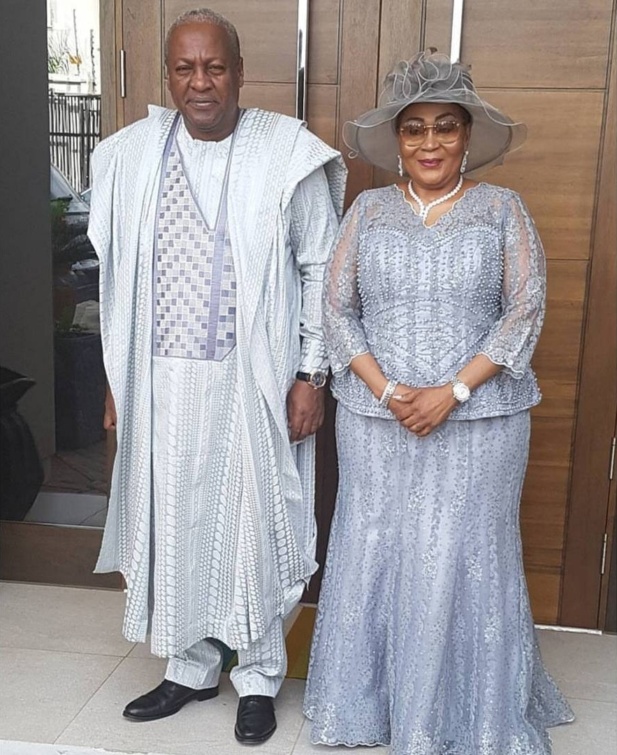 John Mahama Pictured With His Family To Mark 25 Years Of Marriage (1)