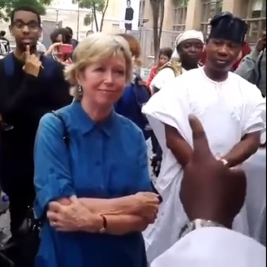 White Woman Converses With Ooni of Ife In Flawless Yoruba (2)