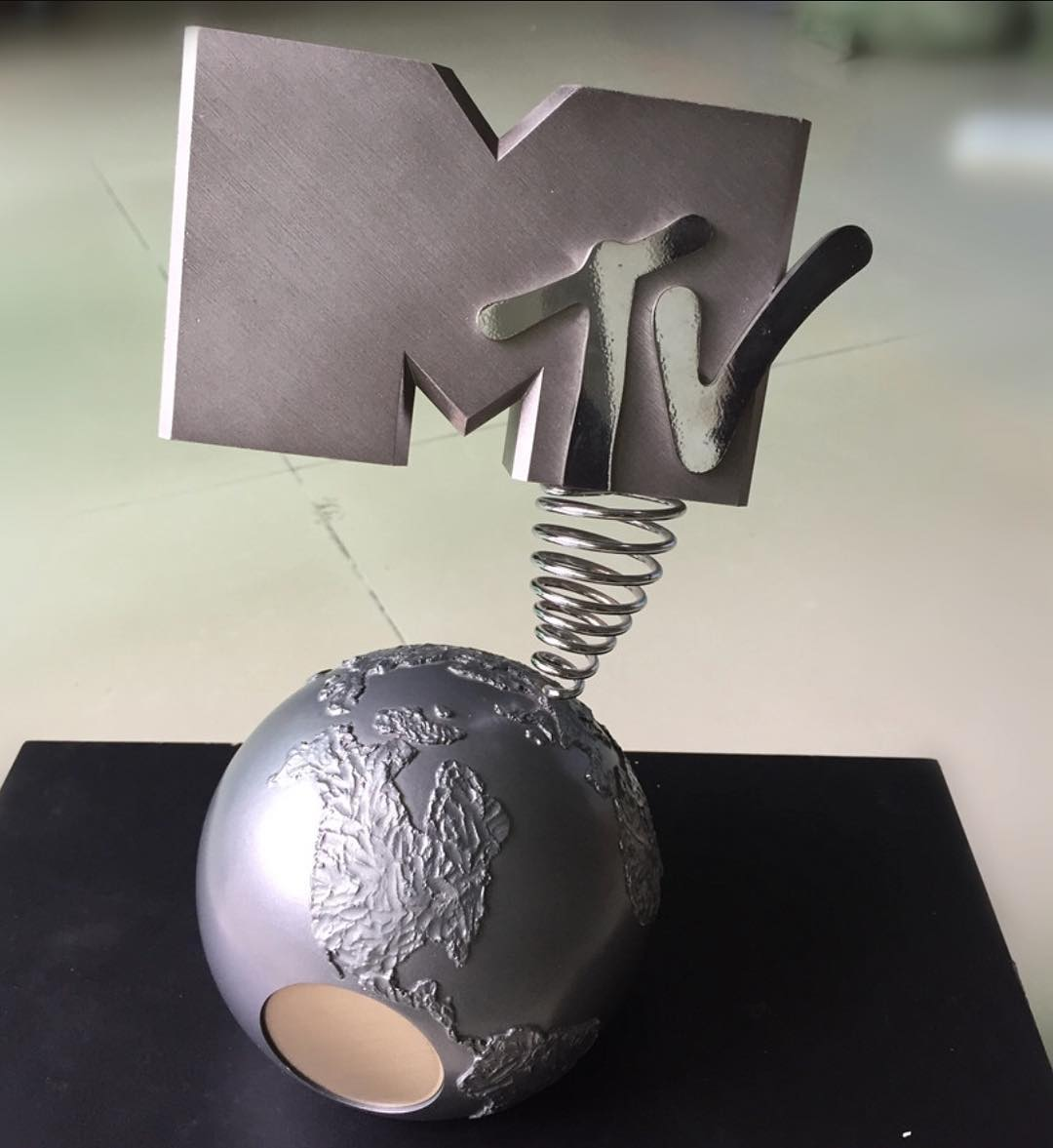 Davido's Reaction After He Was Named MTV Best African Act 2017 (3)