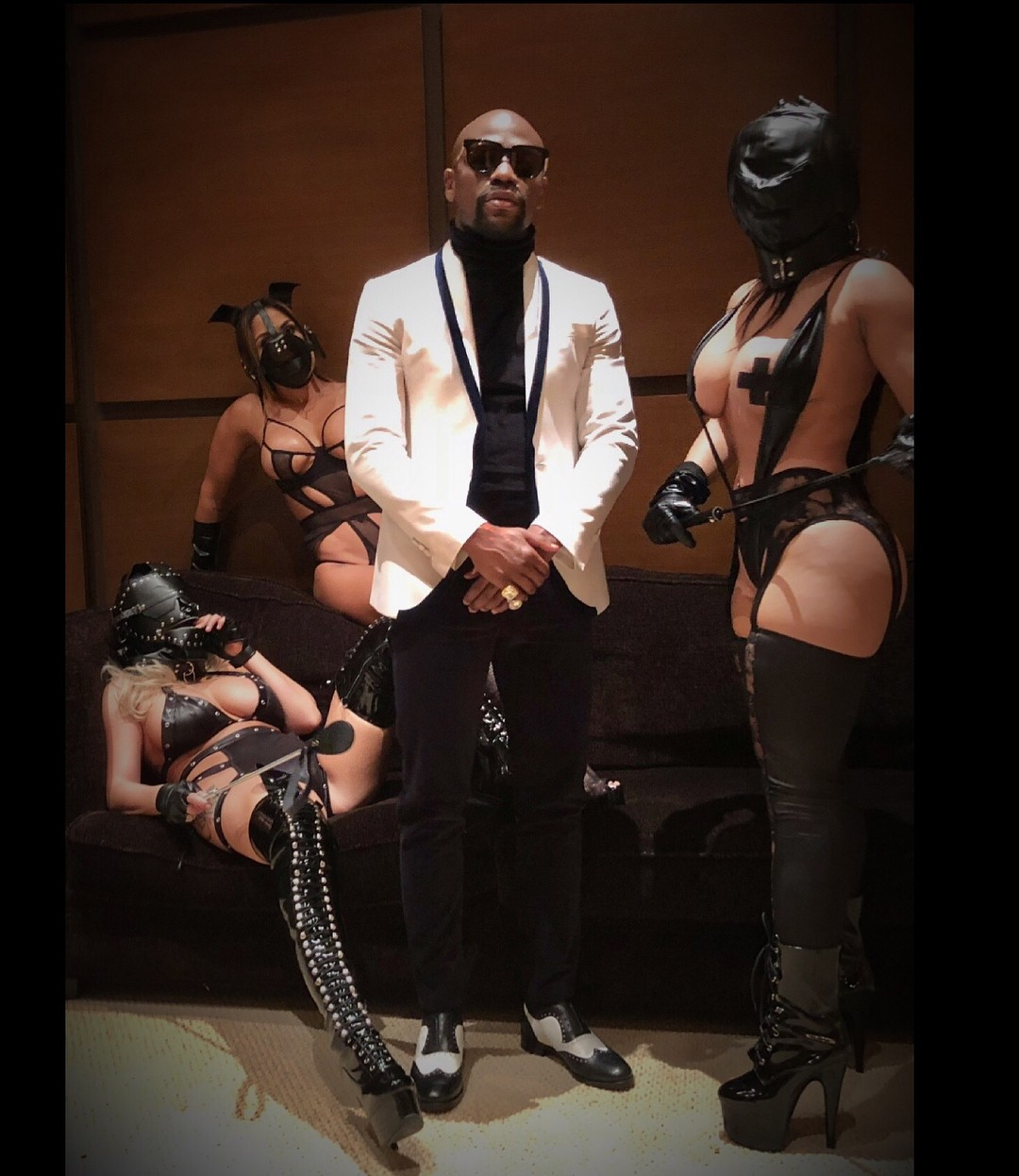 Floyd Mayweather Poses With Three Scantily Clad Women Wearing Leather Masks (4)