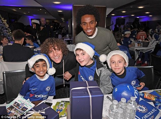 Chelsea Superstars Visited The Kids At Chelsea & Westminster Hospital (4)