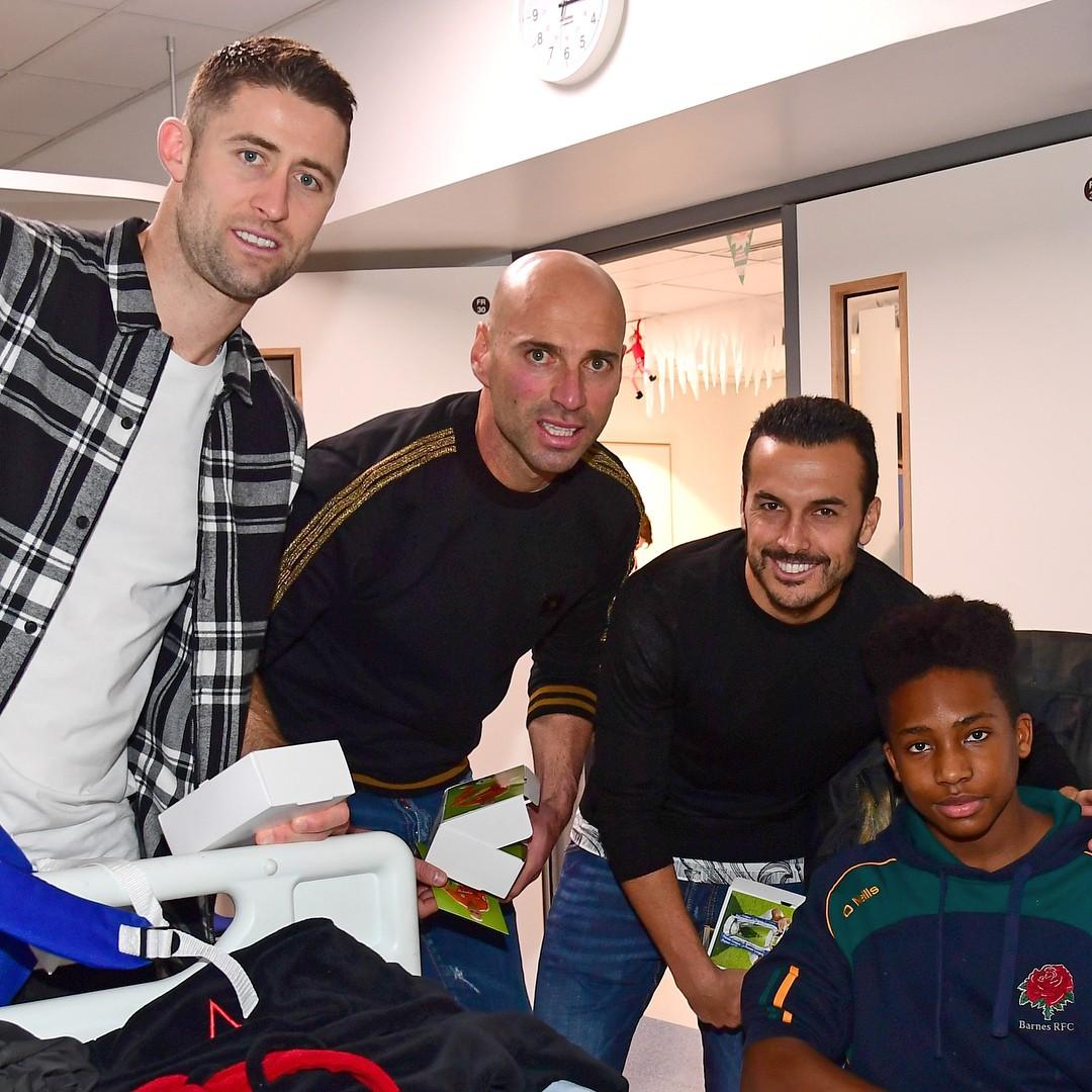 Chelsea Superstars Visited The Kids At Chelsea & Westminster Hospital (7)
