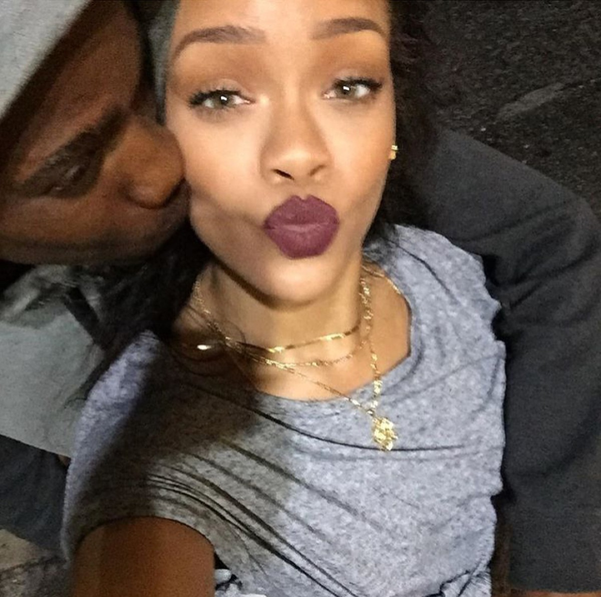 Rihanna Mourns The Loss Of Her Close Cousin To Gun Violence (2)