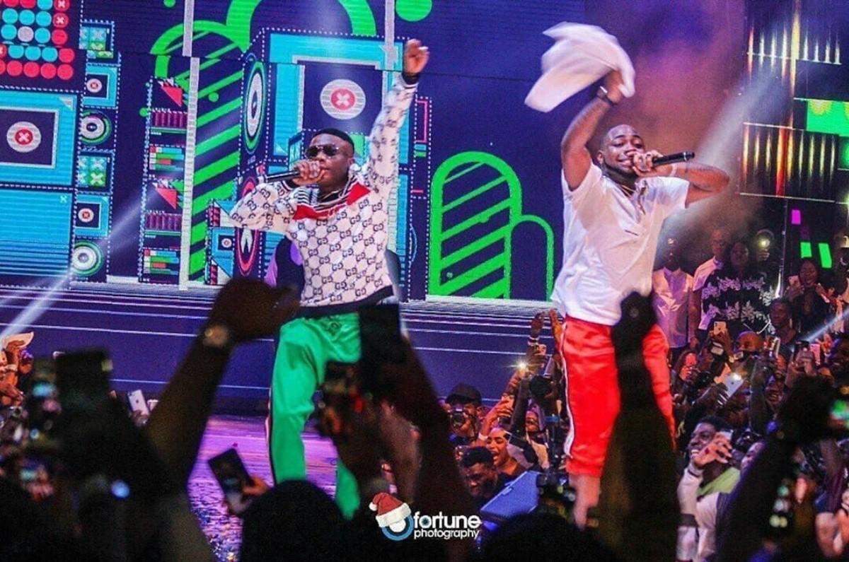Davido And Wizkid Performed 'Manya' Together At His #30BillionConcert (8)