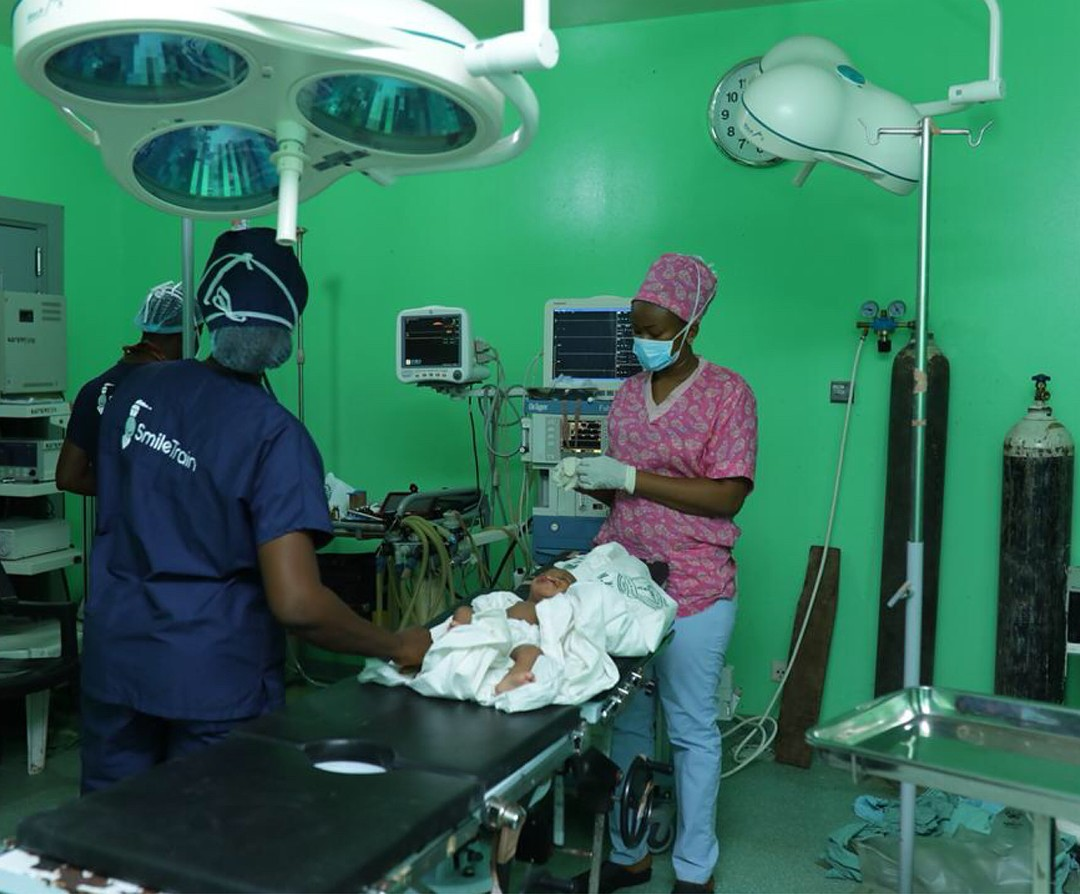 Stephanie Agbasi And Ruth Quashie Witness Surgery Carried Out On A Cleft Baby (8)