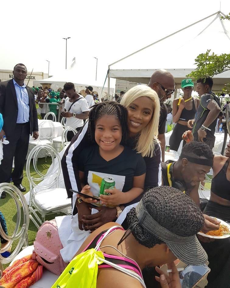 Tiwa Savage Pictured With Monalisa Chinda's Daughter At The Lagos Marathon 2018