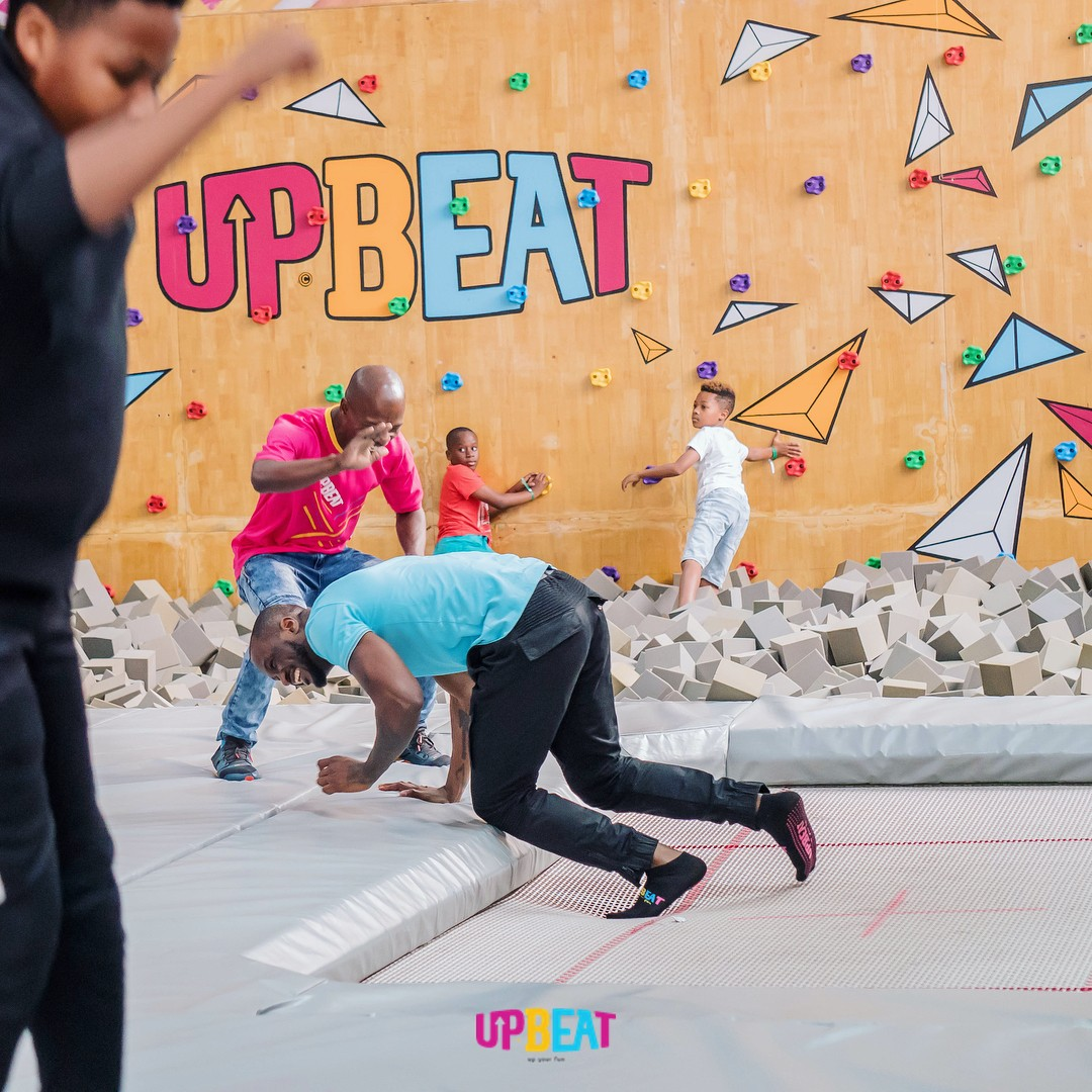 Peter Okoye Chilling At Upbeat Centre (6)