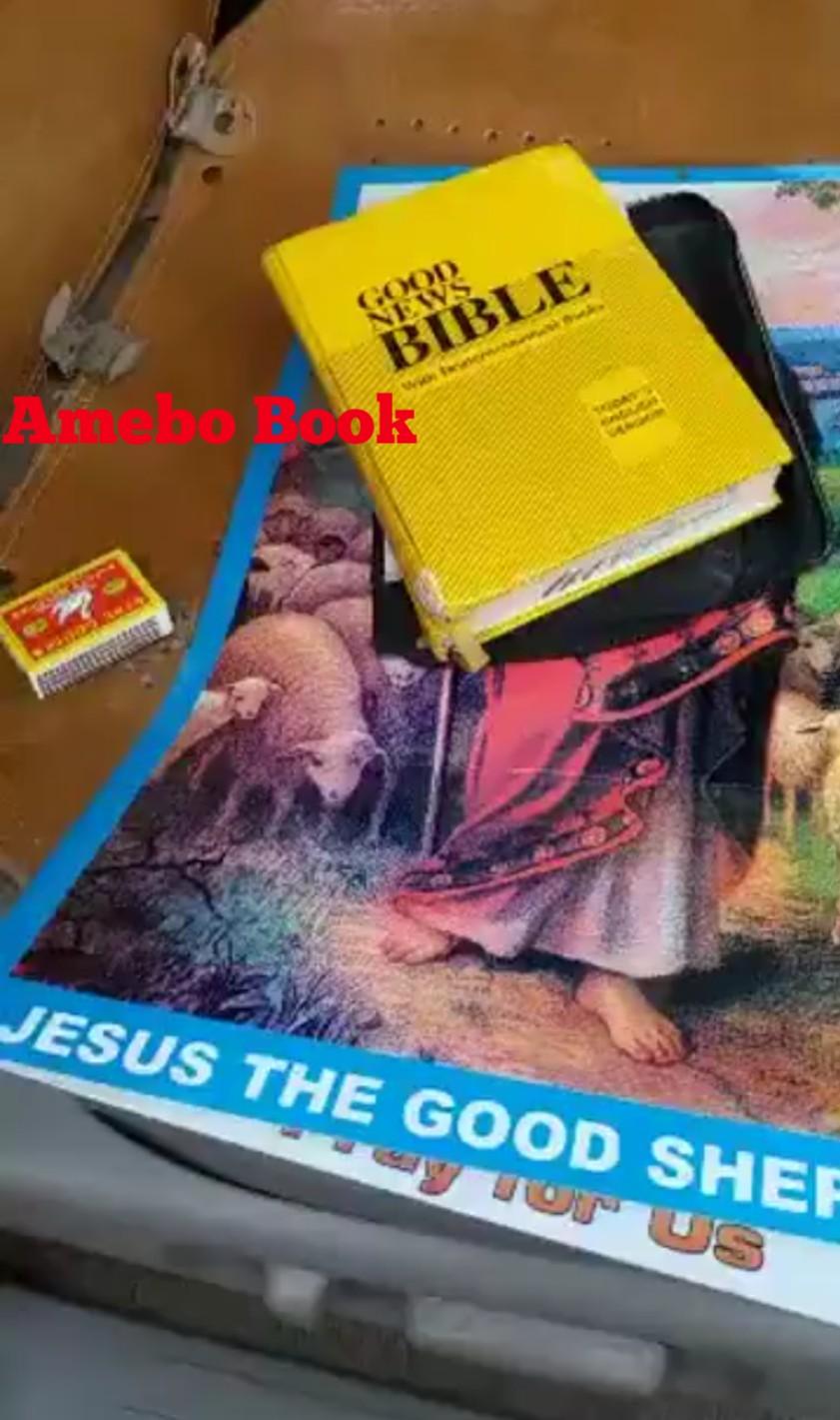 Nigerian Men Caught Burning The Holy Bible (3)
