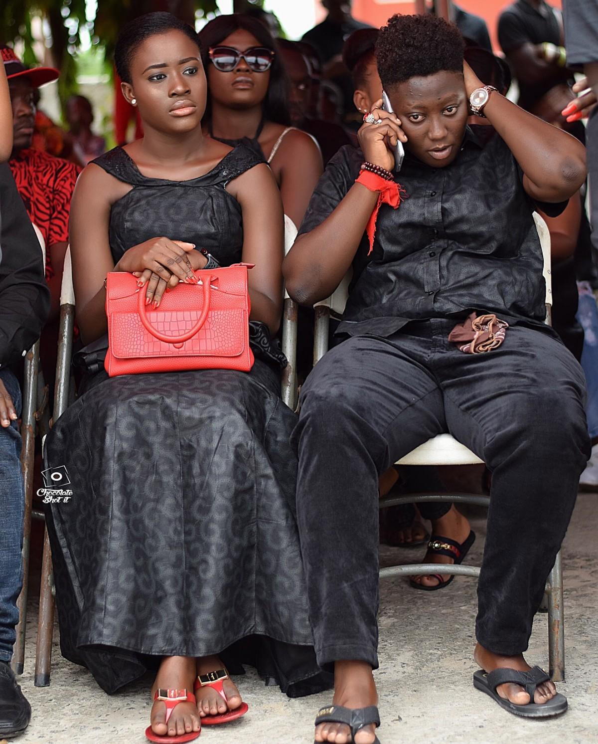 Fella Makafui Was Handed A Handkerchief To Wipe Tears At Ebony Reigns One Week Memorial Service (3)