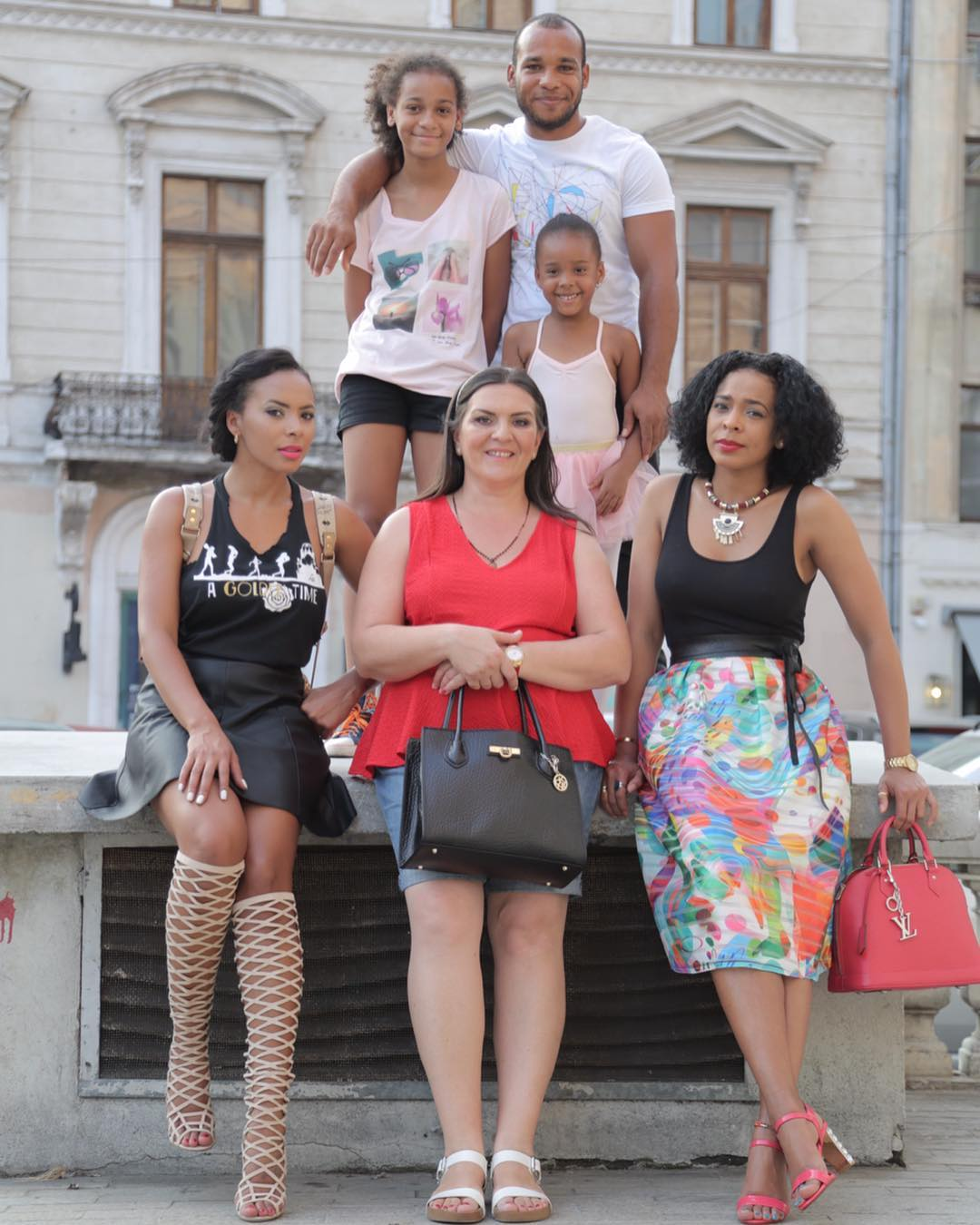 Family Photo TBoss To Celebrate Mother's Day 2018 (2)