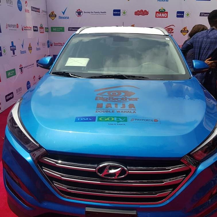 Miracle Picks Up SUV Prize Car And N25million Cheque (3)