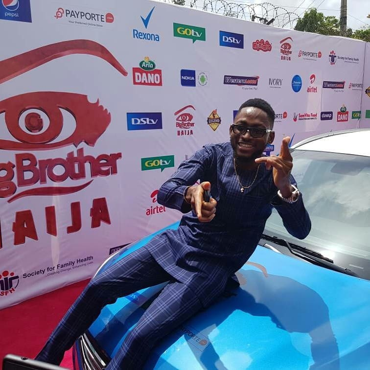 Miracle Picks Up SUV Prize Car And N25million Cheque (8)