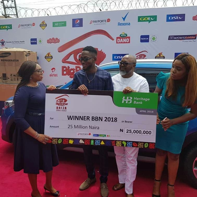 Miracle Picks Up SUV Prize Car And N25million Cheque (2)
