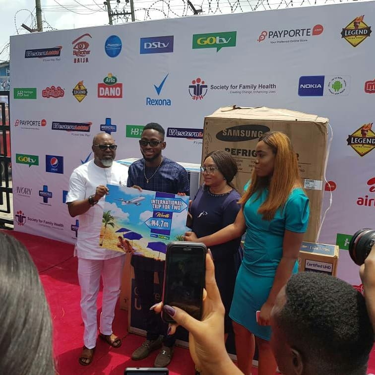 Miracle Picks Up SUV Prize Car And N25million Cheque (5)