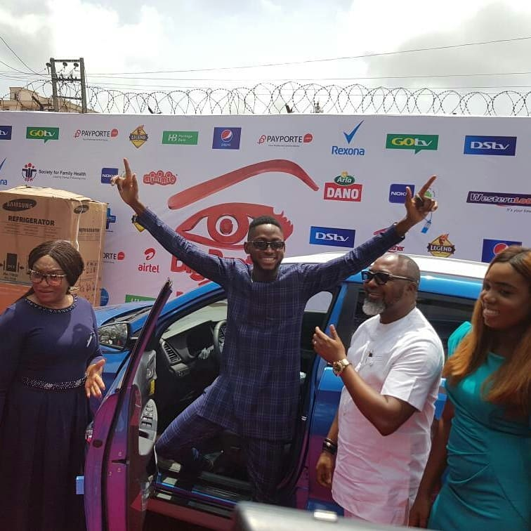 Miracle Picks Up SUV Prize Car And N25million Cheque (4)