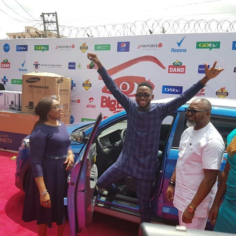 Miracle Picks Up SUV Prize Car And N25million Cheque (6)