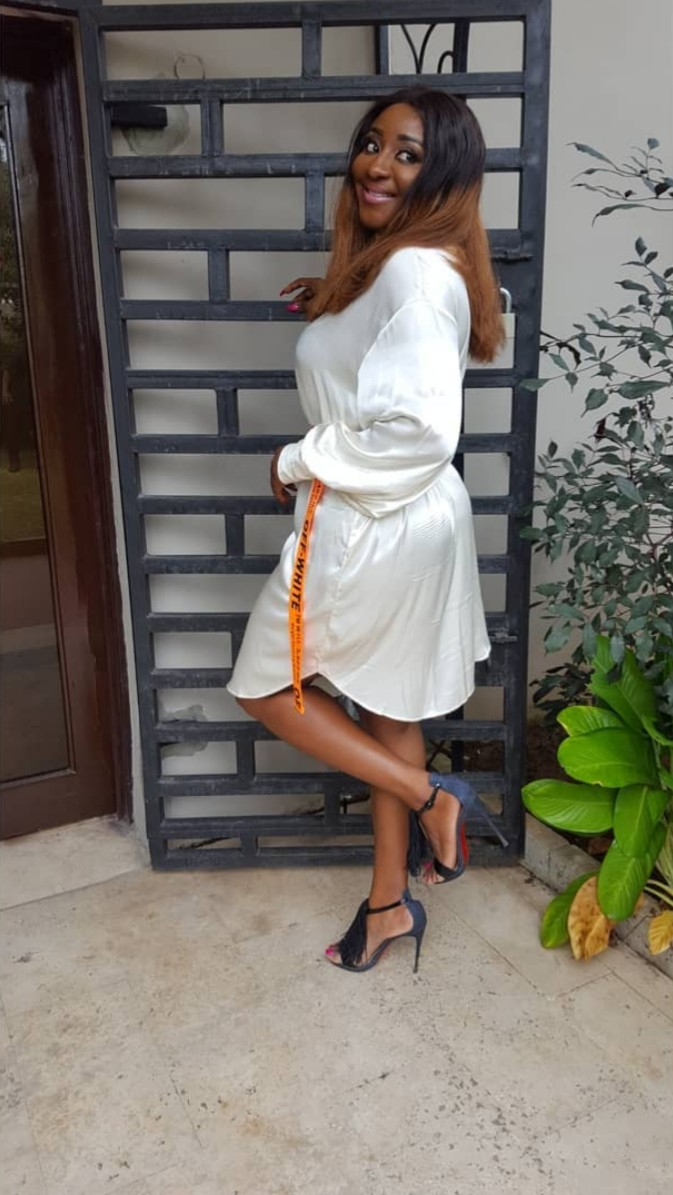Ini Edo Reminds Everyone How Massive Her Behind Is (3)