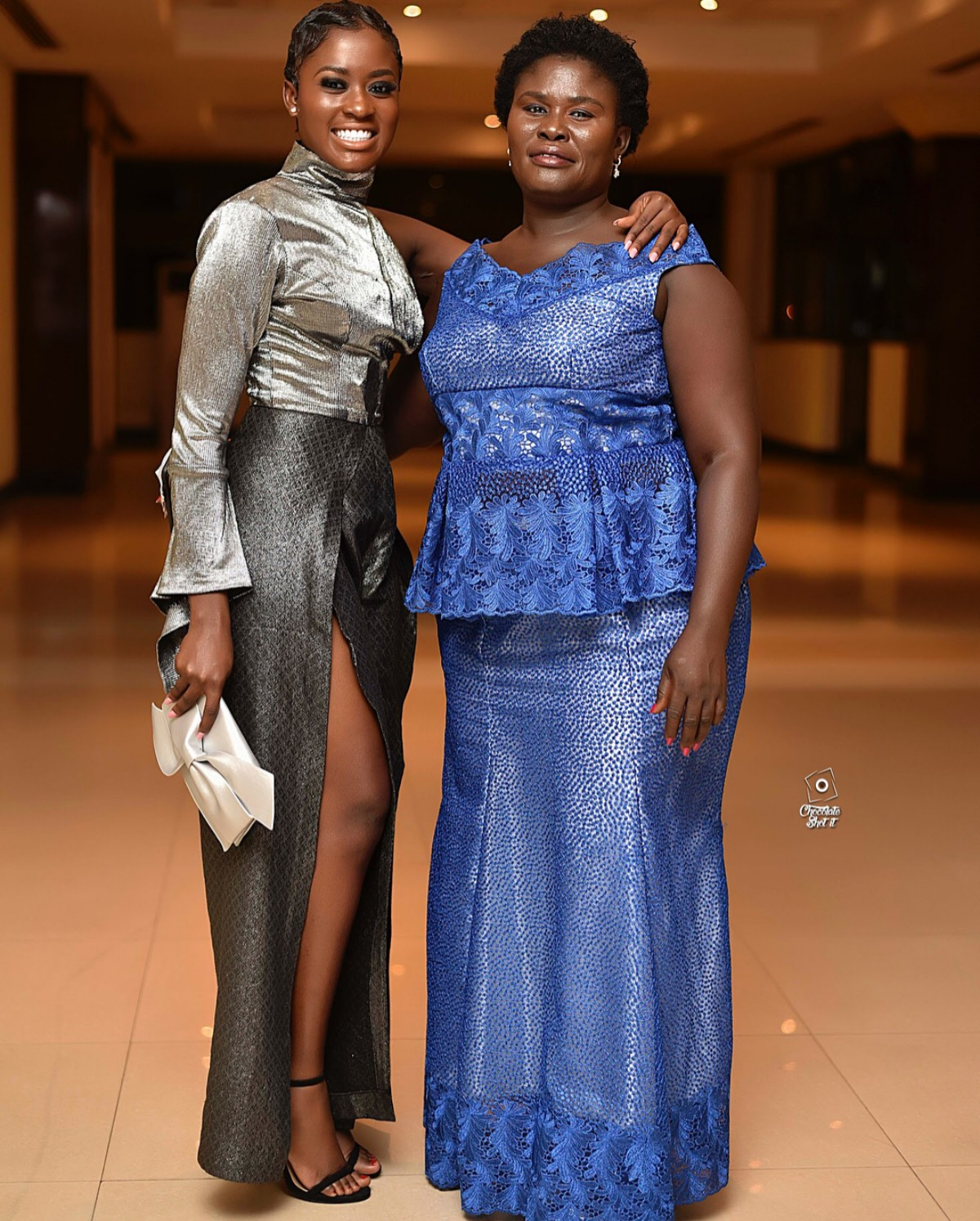 Fella Makafui Poses With Her Mother (4)