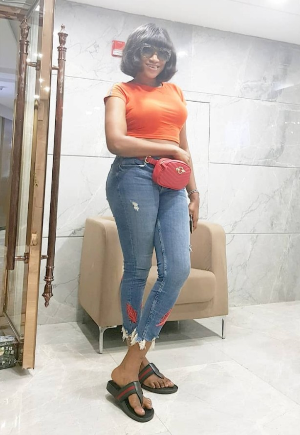Oge Okoye Flashes Belly Button (5)