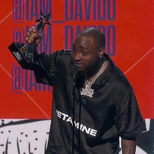 Davido Sends Condolence Message To D'Banj In His Acceptance Speech At 2018 BET Awards (2)