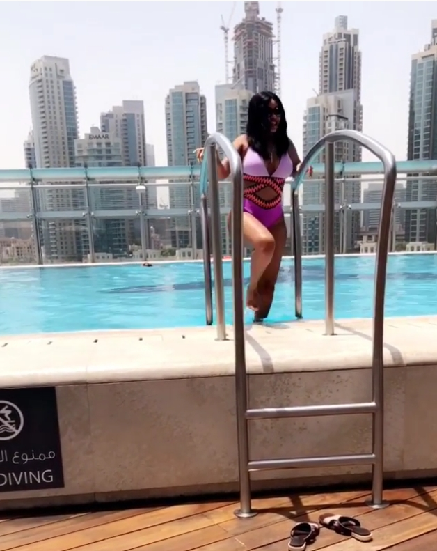 Onyii Alex Shows Off Her Curves In Swimwear (4)