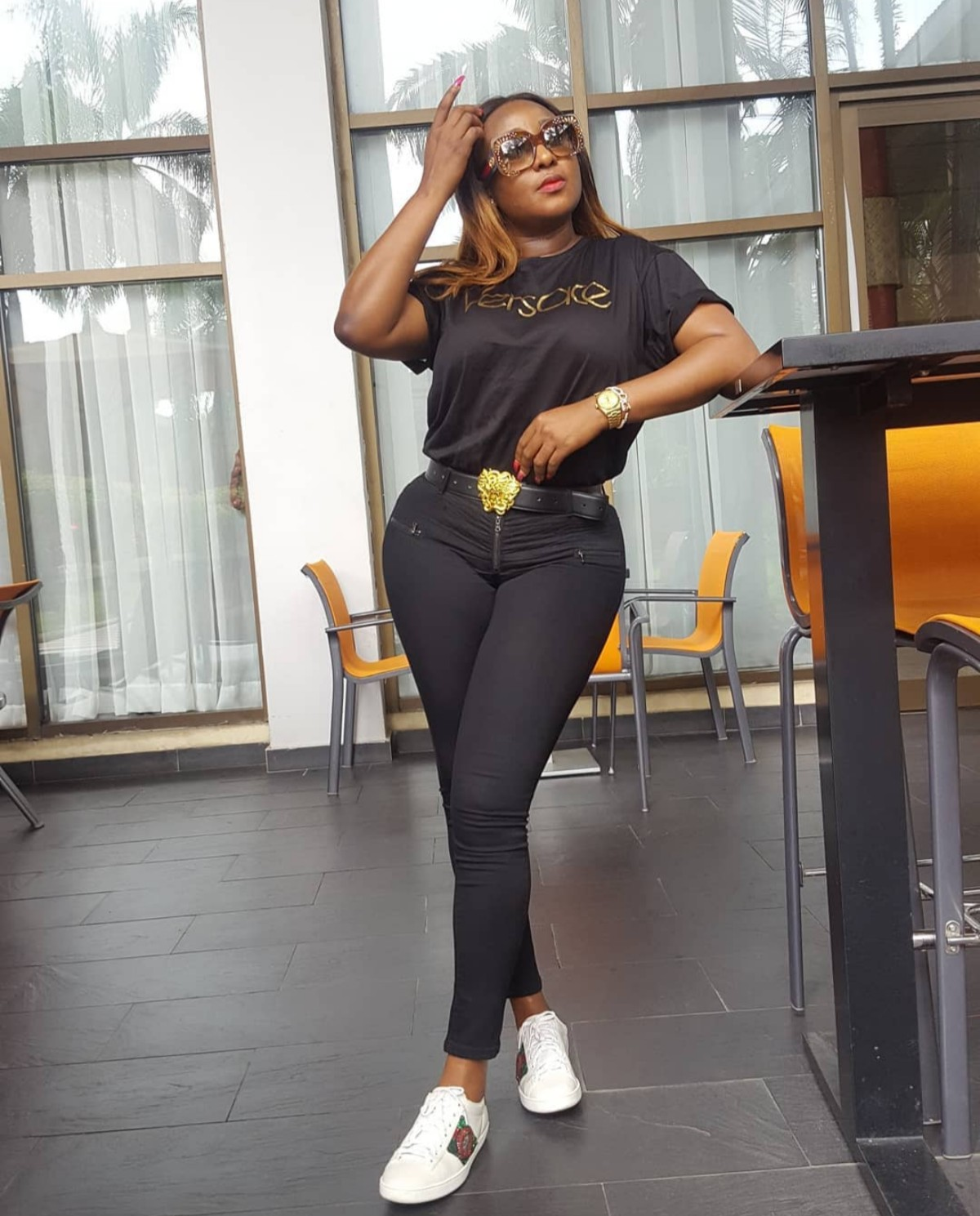 Ini Edo With Bare Face And Lipstick
