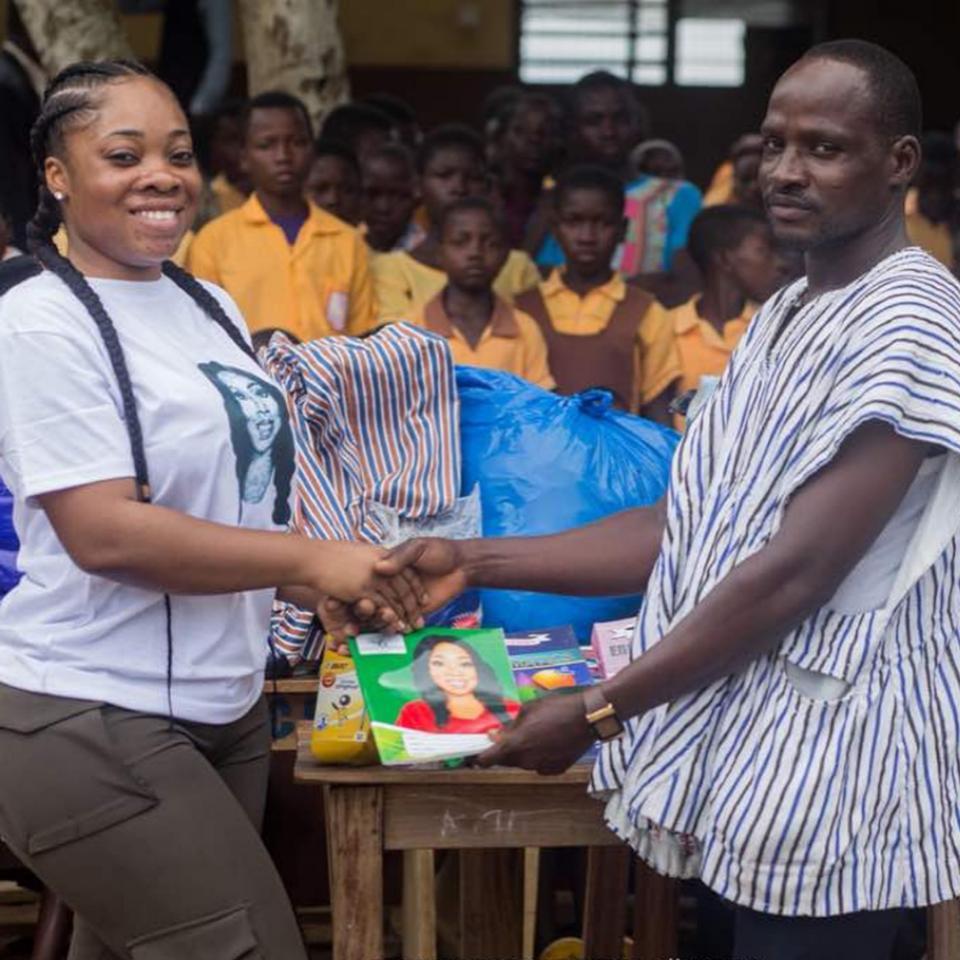 Moesha Boduong Aids TEBU/MA BASIC SCHOOL With Learning Materials
