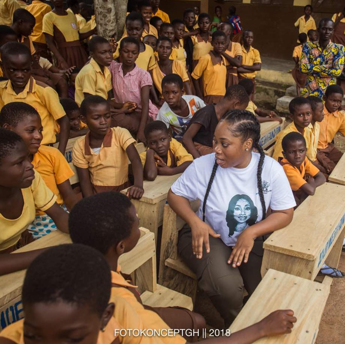 Moesha Boduong Aids TEBU/MA BASIC SCHOOL With Learning Materials (5)