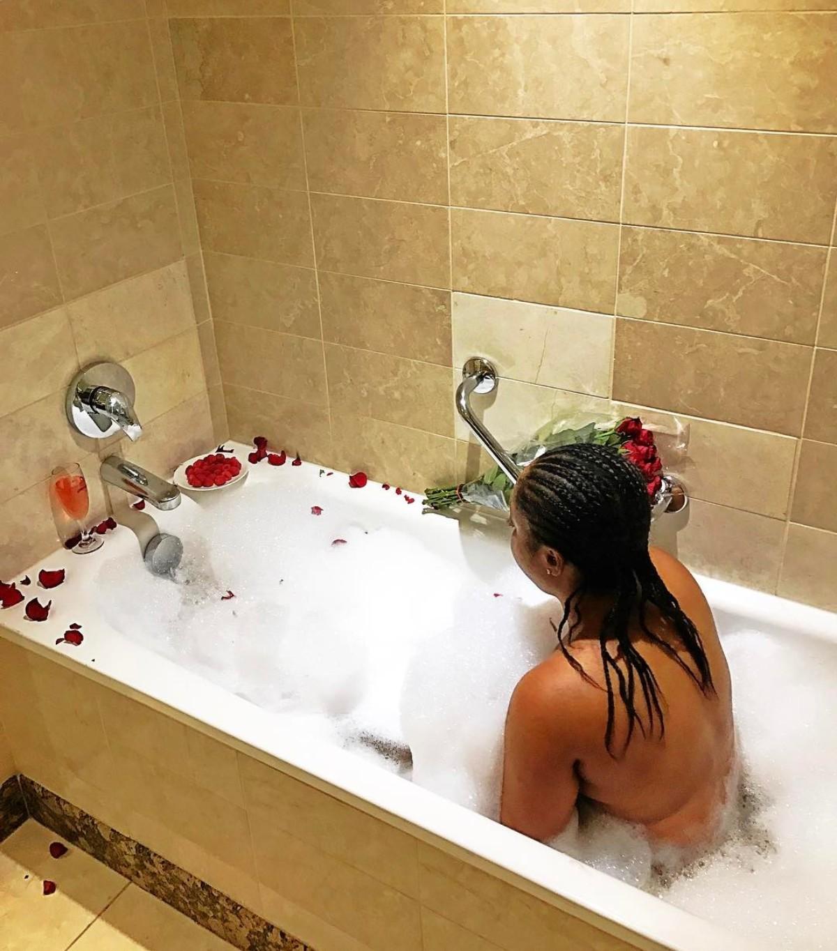 Moesha Boduong Nude In Bathtub
