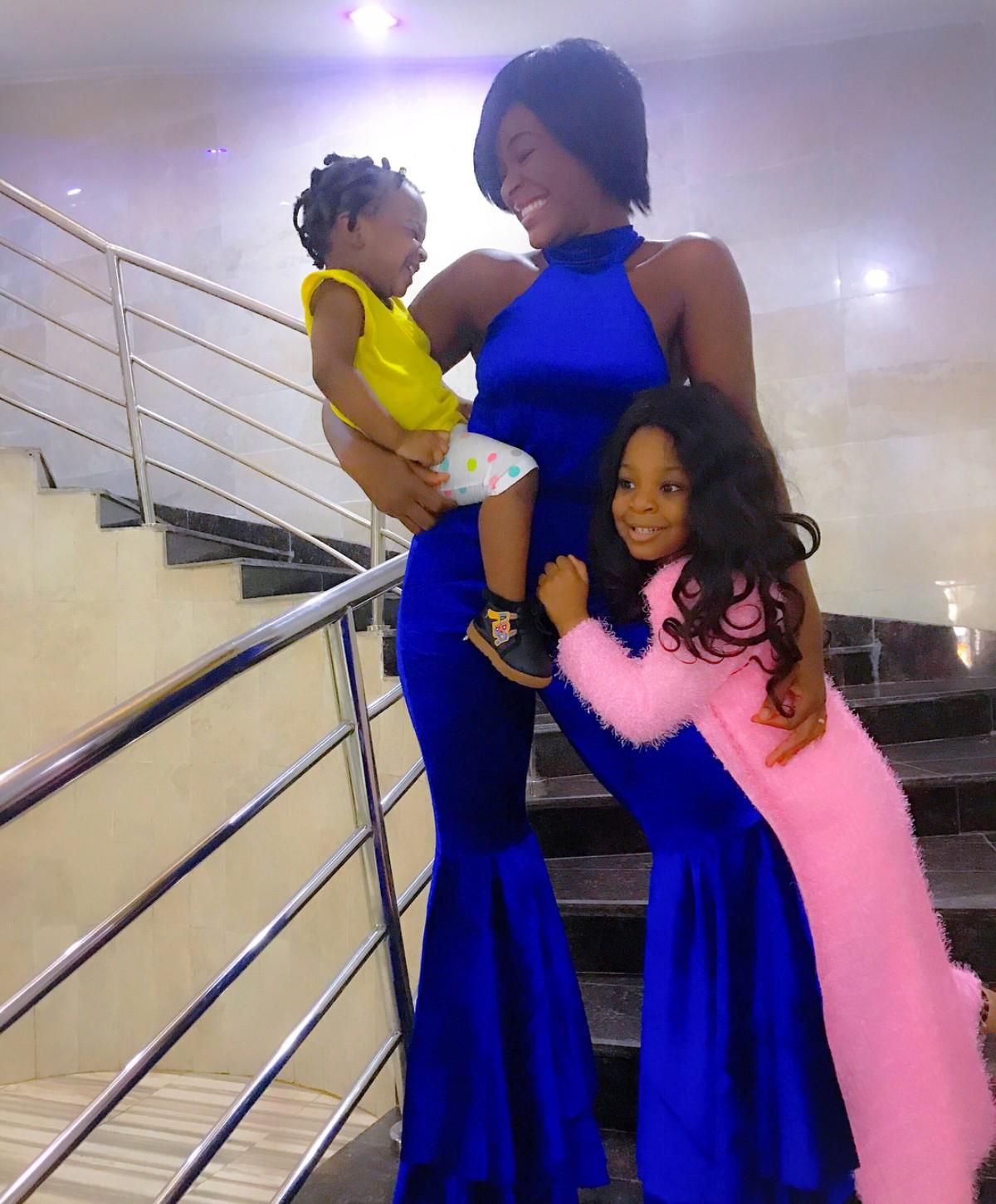 Chacha Eke In Adorable Shoot With Daughters Kamara And Kaira Faani (2)