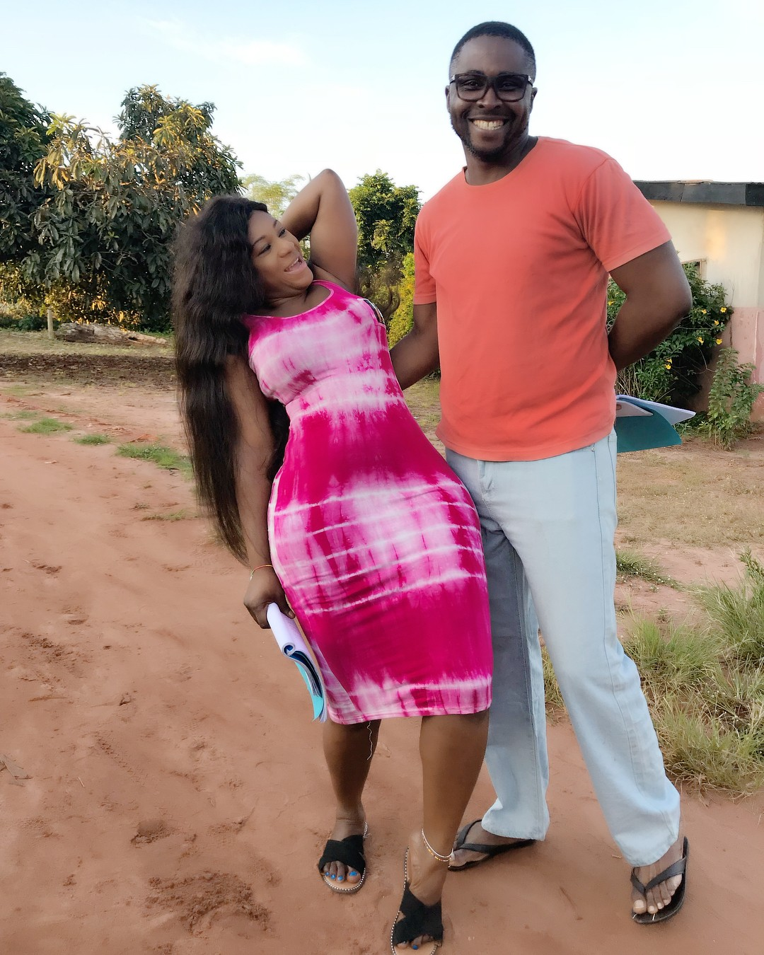 Desting Etiko And Onny Michael Pictured Getting Romantic On Set (4)