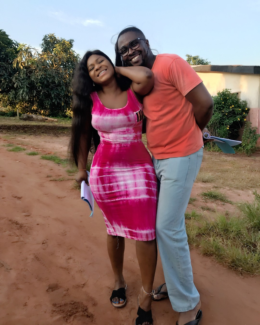 Desting Etiko And Onny Michael Pictured Getting Romantic On Set (5)
