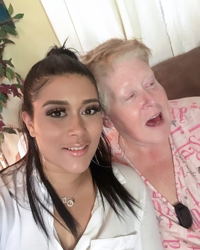 Adunni Ade Poses With Her German American Mother (3)