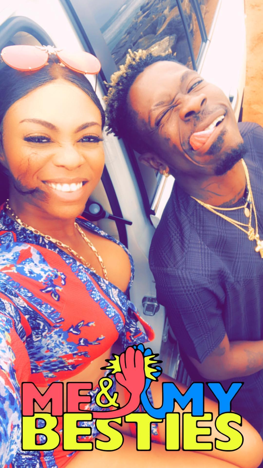 Shatta Wale And Michy Kiss As They Hit The Beach