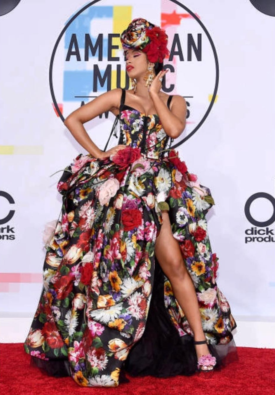 Cardi B Outfit American Music Awards 2018