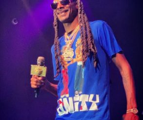 Snoop Dogg Don't Take Pics With Guns And Money